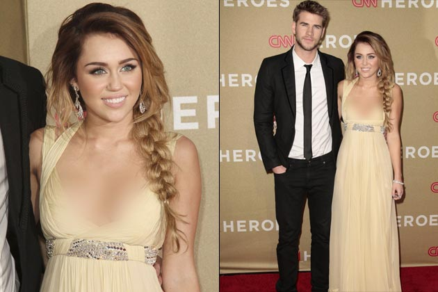 Gambar Miley Cyrus Dedah Buah Dada Payudara Dengan Pakaian Menjolok Mata
