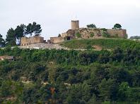 El Castell de Talamanca des de la baixada al Pla del Molí