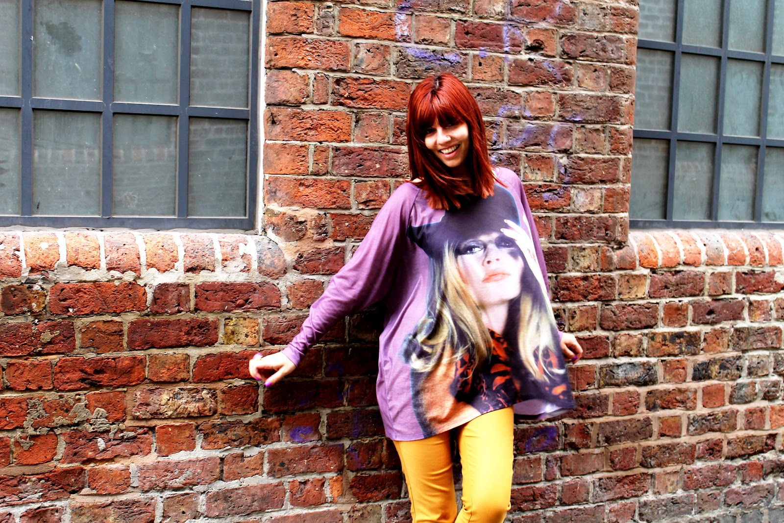 http://2.bp.blogspot.com/-kPxNLzmNPUc/UBGbUeuh3vI/AAAAAAAAKsg/c9cRYuz30Yw/s1600/Brigitte+Bardot+top+2.jpg