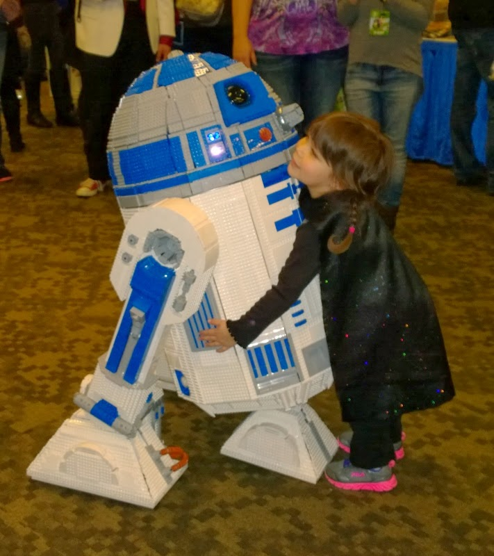 Darth Lily hugging Lego R2-D2