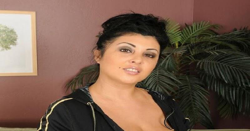 Jaylene Rio 36EE Busty Boobs In Black Sexy Dress Hot Sexy