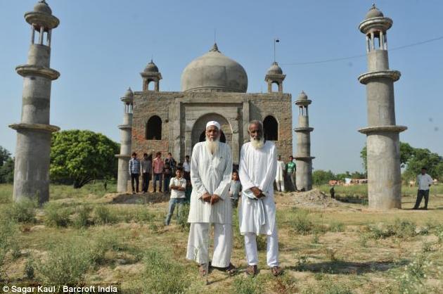 2013 06 23 222951 Demi Cinta Lelaki Ini Bina Taj Mahal Kedua