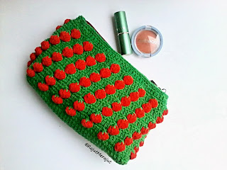 Dompet Make Up, Wallet, Dompet Rajut, Strawberry Rajut, Tusuk Strawberry