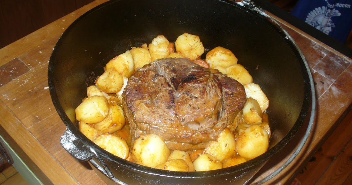 how to cook a roast in onions potatoes and carrots