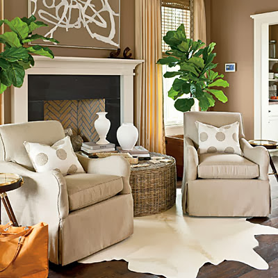 Mix and chic southern living 39 s 2013 idea house for Front room furniture