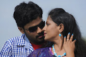 Nuvvena Adi Nivvena Movie Stills-thumbnail-15