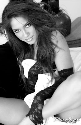 Jessica Burciaga - Hot in black and white - pic 4