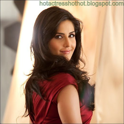 katrina kaif hot pics and spicy smile images
