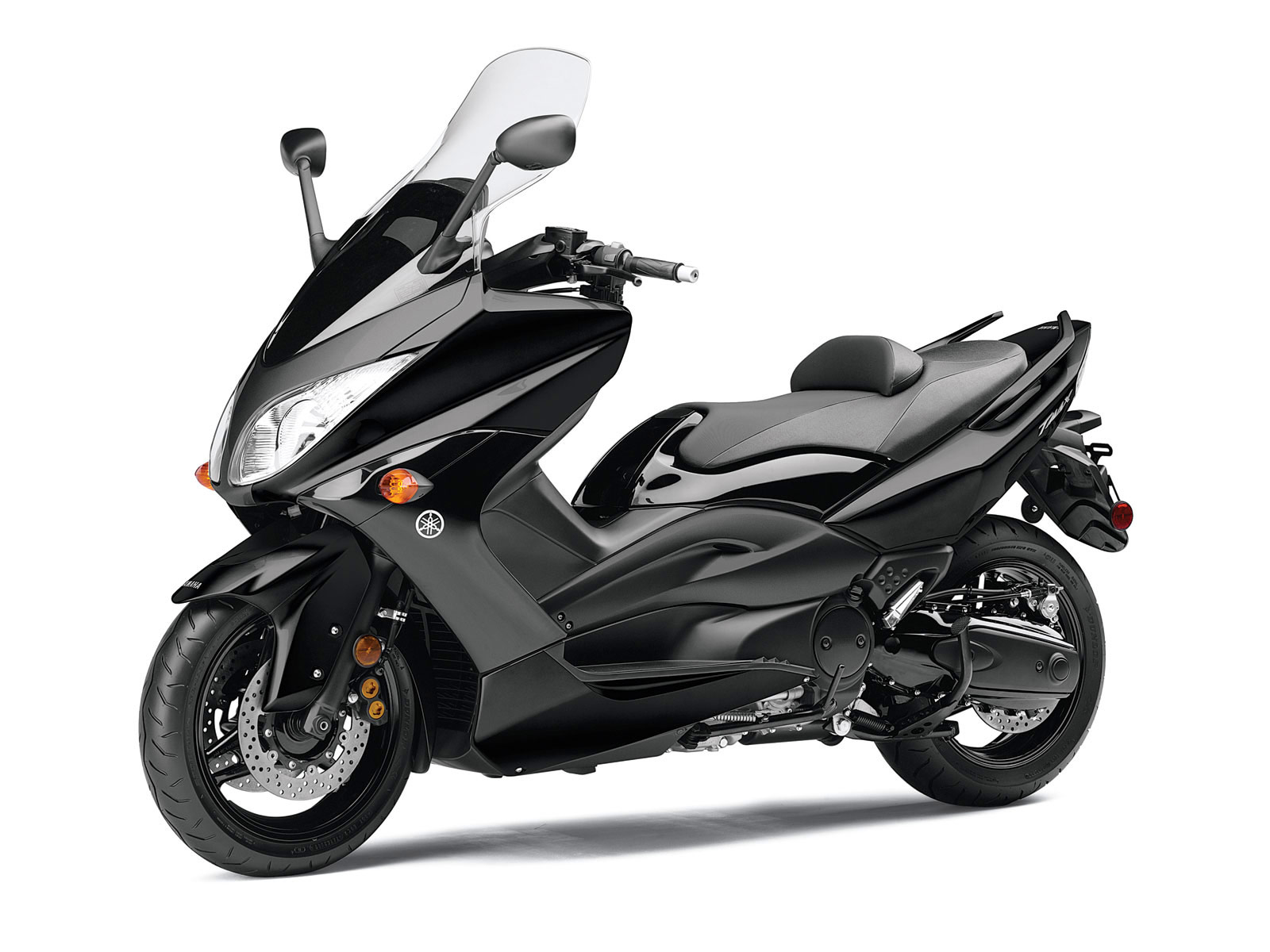 scooters mopeds 2011 yamaha tmax scooter wallpapers. Black Bedroom Furniture Sets. Home Design Ideas