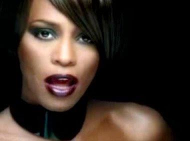Un hommage en maquillage à Whitney Houston!