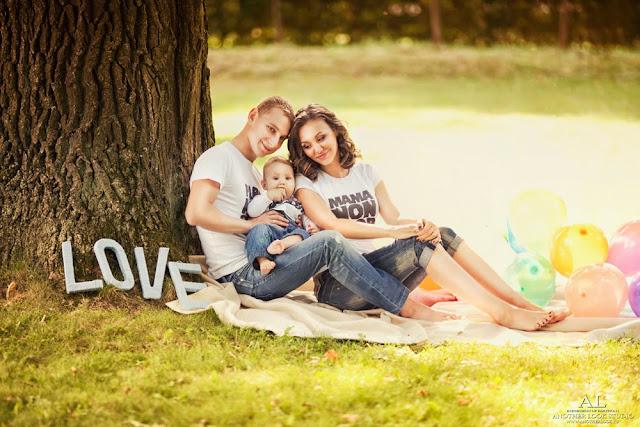 трое под деревом фотосессия