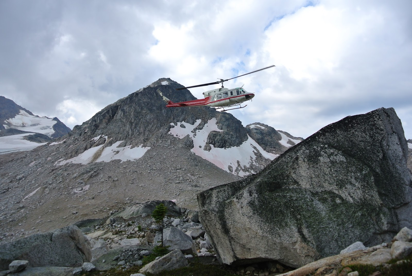 an artistic journey connie cuthbertson heli painting in the bugaboos
