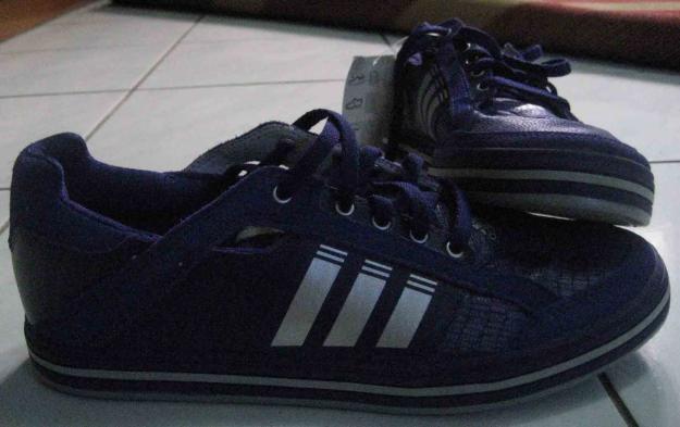 Online Shoe Shop: -------Sepatu Adidas--------