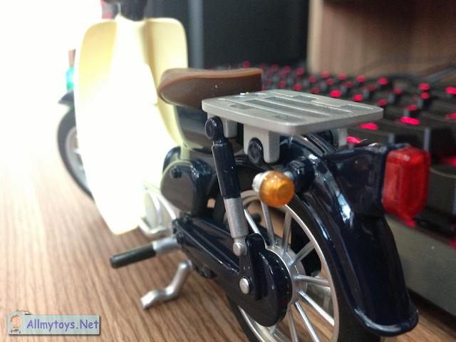 Honda Super Cub model bike toy 2