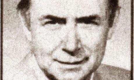 Sr. Alec Collett, ex periodista que trabajaba para el Organismo de Obras Públicas y Socorro de las Naciones Unidas en el Cercano Oriente cuando fue secuestrado por elementos armados en 1985.