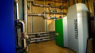 sala calderas calefacción pellets
