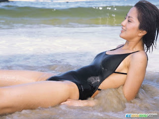 Fu Tian Ying Taiwanese Sexy Actress Sexy Swimsuit Photo 4