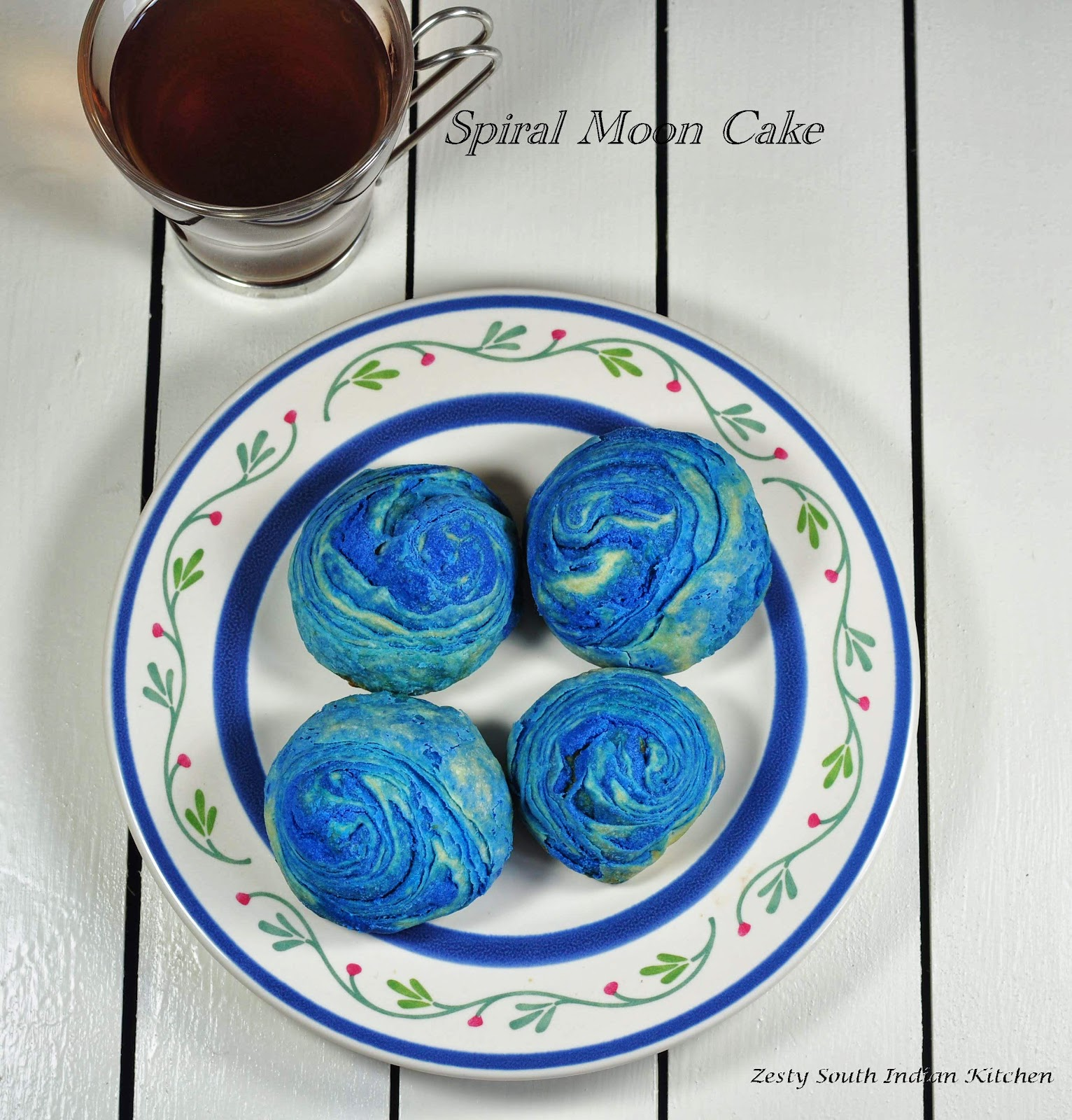 Chinese Spiral Moon Cake (Teochew style mooncakes) with Savory Mung ...