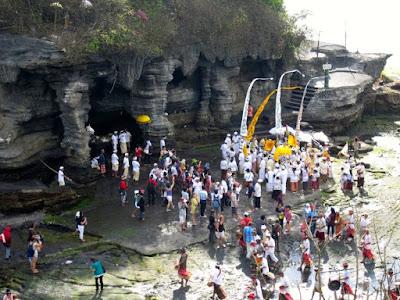 Bali Travel: Stepping Foot on Pura Tanah Lot