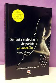 Portada del libro Ochenta melodías de pasión en amarillo