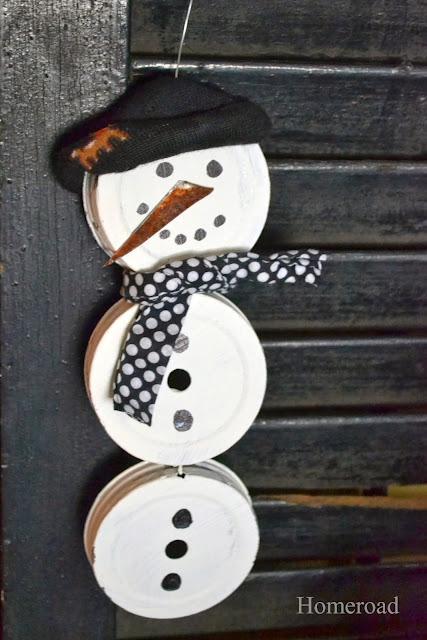 Mason jar lid snowman www.homeroad.net
