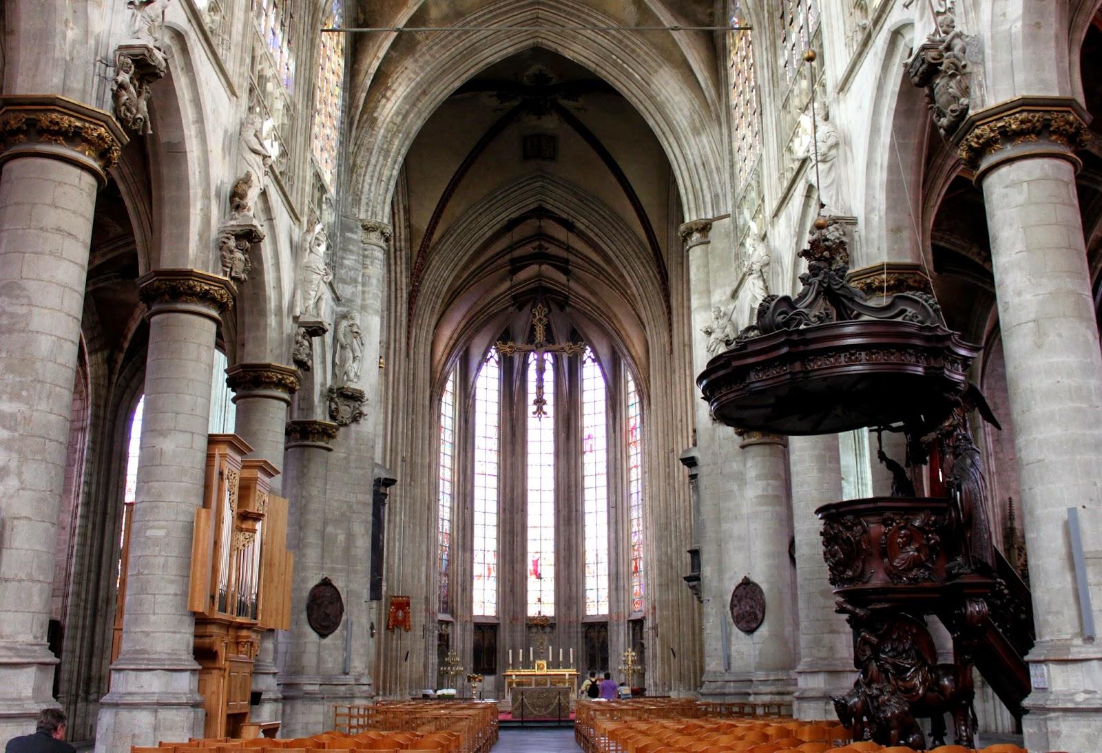 Interior de Notre Dame du Sablon