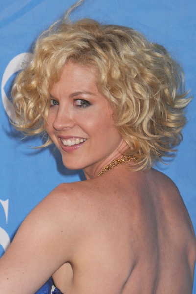 short hairstyle wavy hair