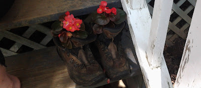 boot planters, repurposed boots, recycled boots, upcycled boots, salvaged boots, boot flower planters