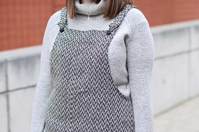 how to combine grey knit turtleneck sweater