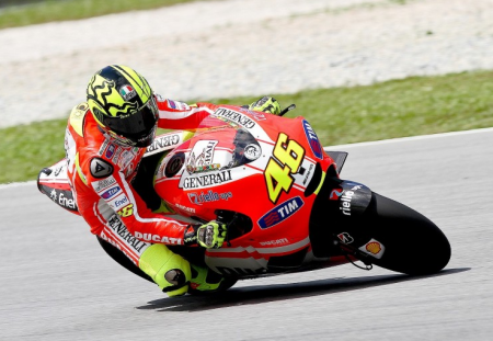 valentino rossi 2011. Rossi is also a lefty.