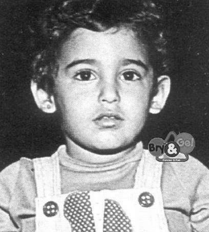 Rare Childhood & Teen-age Photos Of Bollywood Celebrities ...