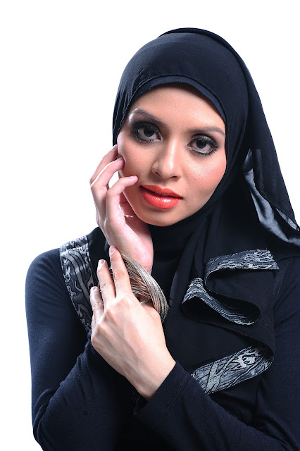 Adibah Karimah photoshoot by photographer Hafiz Atan for car fund award