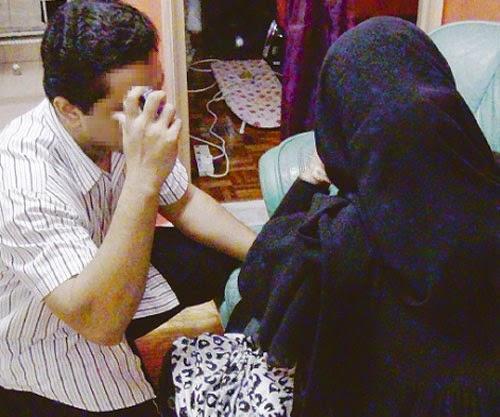 Isteri Curang Dengan Majikan Kantoi SMS Cinta