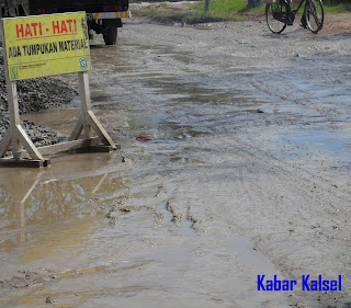 penyebab kerusakan jalan di banjarmasin