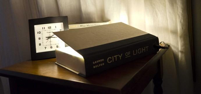 Une lampe de chevet sp cialement adapt e la lecture - Comment faire une lampe de chevet ...