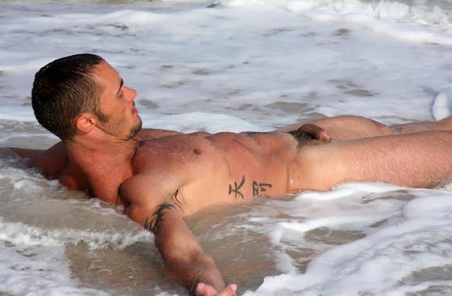 Desnuda xxx playas gay