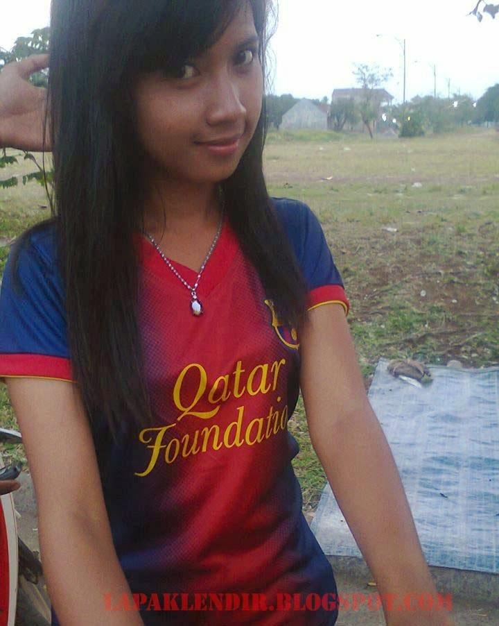 Gambar Bugil Fans Barcelona yang Imut Berasal Dari Kota Lampung