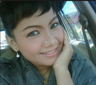 Reny Farida Profil Facebook 67
