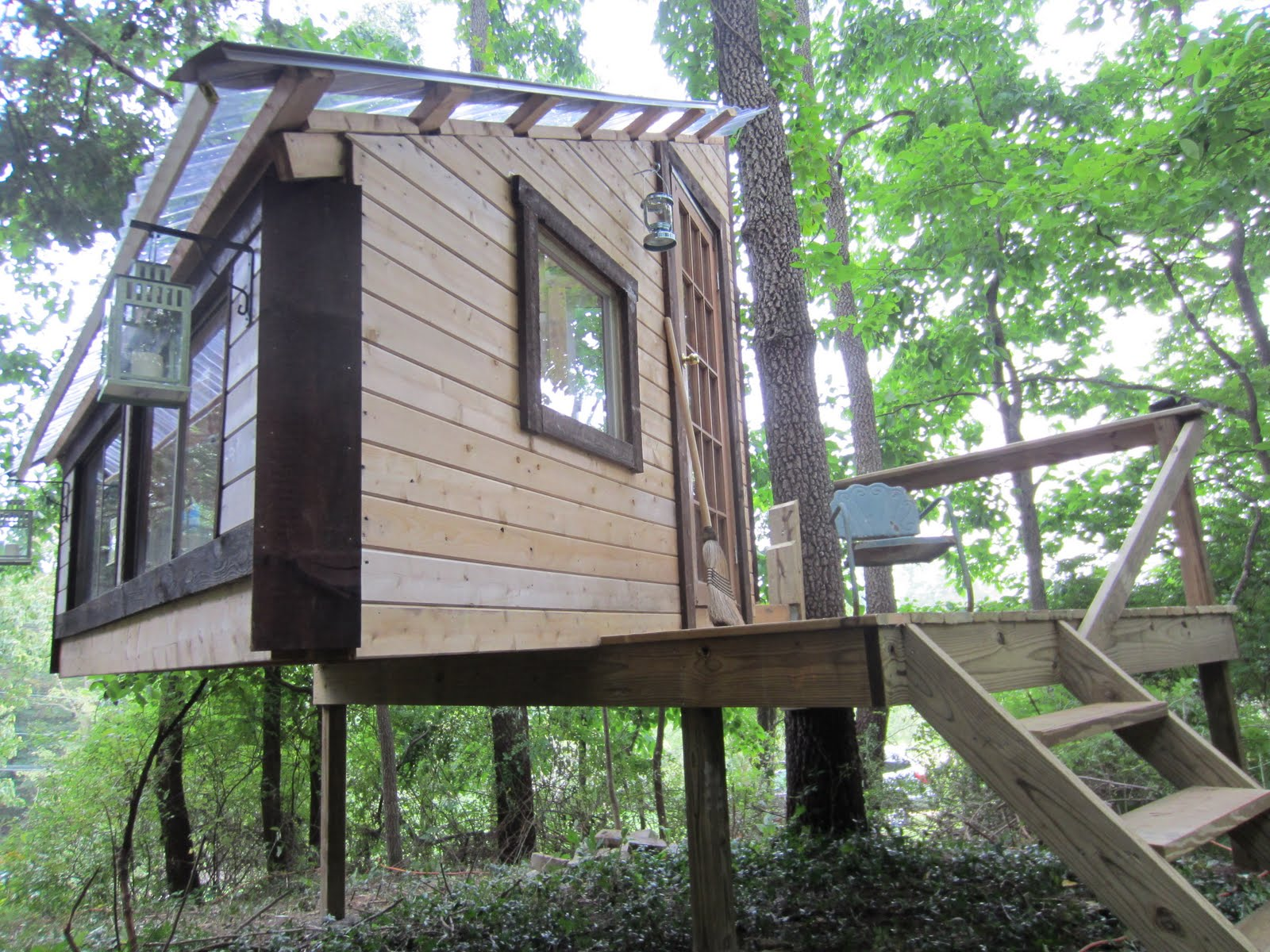 Simple tree house designs and plans viewing gallery - Treehouse plans and designs ...