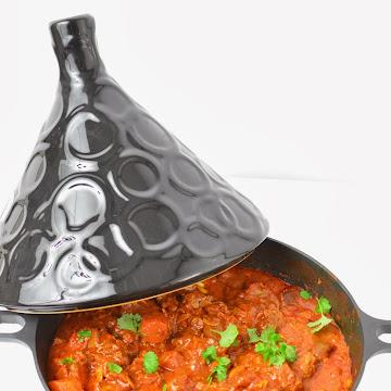 Marokański tagine (tadżin, tajine) w sosie pomidorowym - Czytaj więcej »