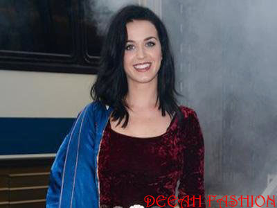 Transformasi Katy Perry di Single ROAR