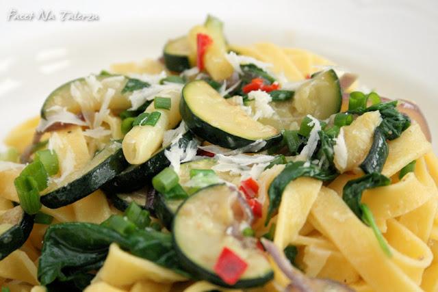 Pasta primavera - cudowne tagliatelle z warzywami
