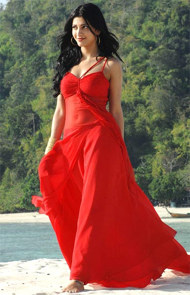 Actress in Red Hot Outfit Photos