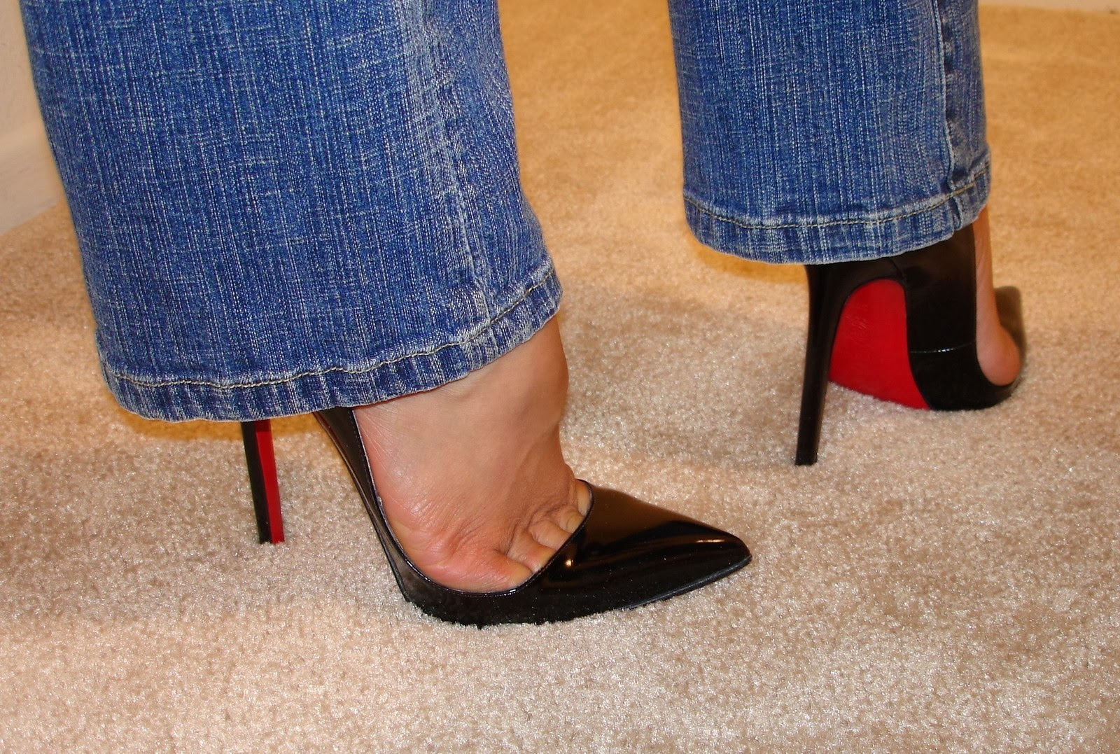 The Toe Cleavage Blog: More EBay stuff