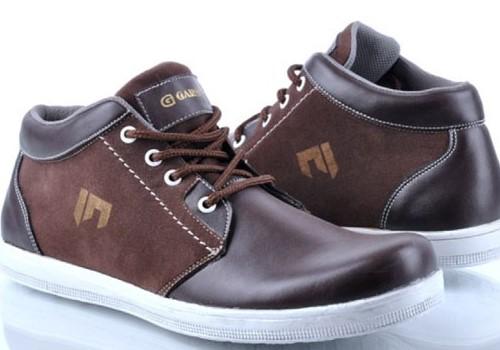 Tips Mengembangkan Bisnis Jual Sepatu Di Toko Online Maupun Offline