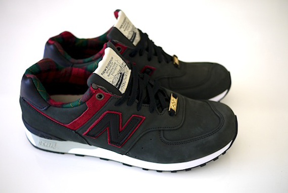 new balance takkies