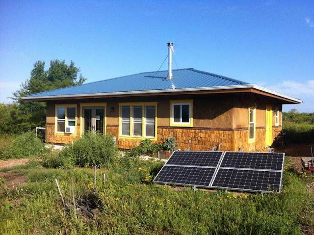 Modern interior design off grid homes plans for Solar home designs