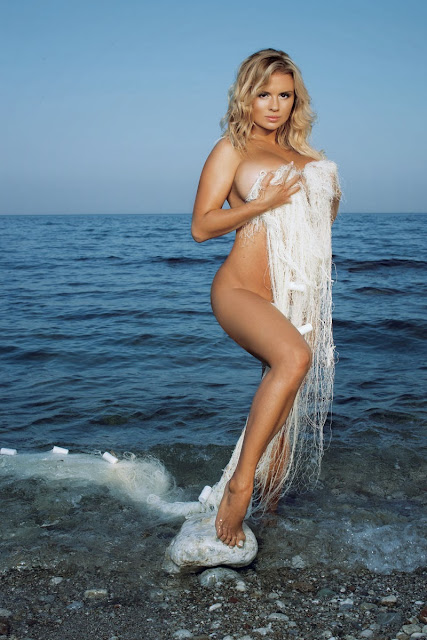 nude boobs Anna Semenovich sexy woman Russian singer and ice dancer