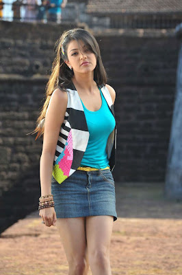 kajal agarwal leg spicy photo gallery
