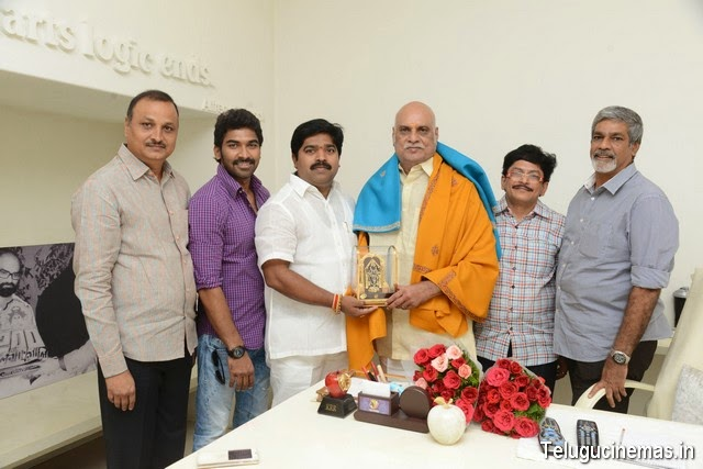 Dasari Kiran felicitates TTD Member Raghavendra Rao,Dasari Kiran felicitates Raghavendra Rao,Producer Dasari Kiran felicitates K. Raghavendra Rao,Dasari Kiran felicitates TTD Member Raghavendra Rao photos,Dasari Kiran felicitates TTD Member Raghavendra Rao pictures,Dasari Kiran felicitates TTD Member Raghavendra Rao stills,Dasari Kiran felicitates TTD Member Raghavendra Rao pictures,Dasari Kiran felicitates TTD Member Raghavendra Rao Telugucinemas.in